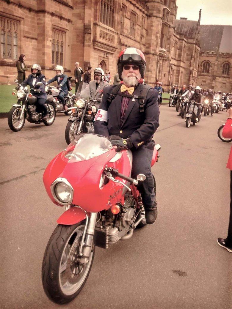 Matt Laxton auf dem Motorrad